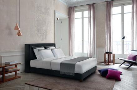 Das Bild zeigt das Modell Cube Noir von der Marke Treca Paris