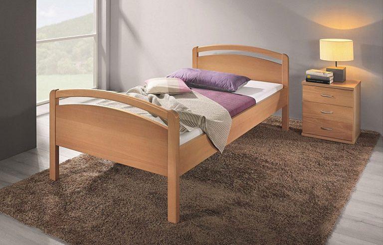 Auf dem Bild ist das Venedig Holz Bett von der Marke Reichert Möbelwerkstätte abgebildet